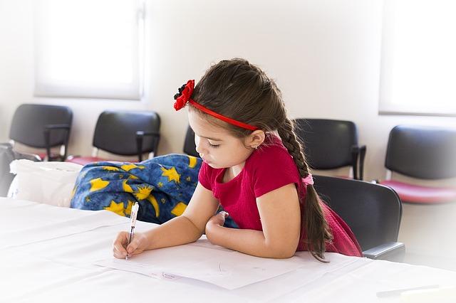 4 diferenças entre a escola montessoriana e a escola regular