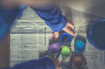 5 brincadeiras sensoriais montessorianas