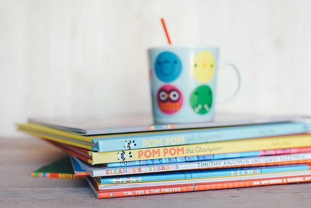 15 livros para ler com o filho durante a alfabetização